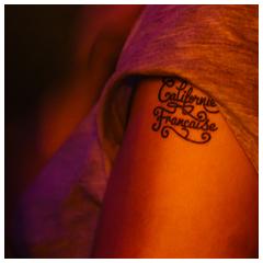 tatouage personnalisé noir